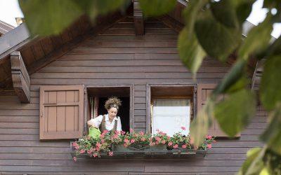 Alessandra vi dà il benvenuto allHotel Miramonti- ph. Susy Mezzanotte