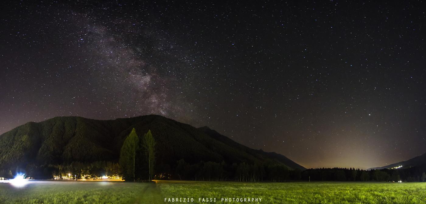 Il cielo stellato dalla pineta vigezzina - ph. Fabrizio Fassi (1)