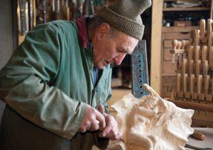 L'intaglio su legno - Un'arte preziosa
