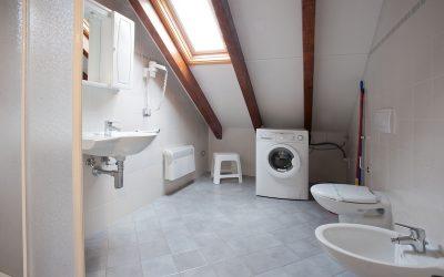 Casa vacanze Ianni - il bagno dell'appartamento Monti