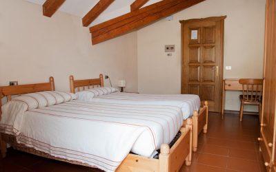 Una delle camere doppie dell'Hotel La Jazza