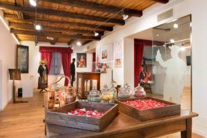Il percorso espositivo all'interno della Casa del Profumo Feminis-Farina di Santa Maria Maggiore - ph. Susy Mezzanotte