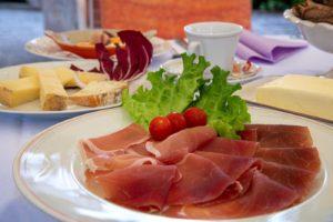 Colazione all'Hotel Ristorante Miramonti - ph. Maurizio Besana